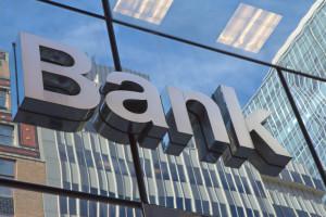 Der Schaden einer Bank setzt sich zusammen aus Refinanzierungs- und Margenschaden.